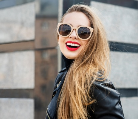 fashionwoman_405535045-2-jpg